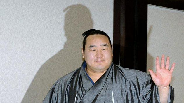 Legendární Asašorjú ukončil kariéru