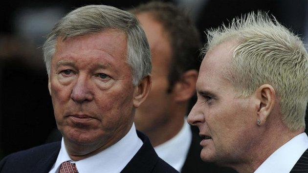 Trenér Manchesteru United Alex Ferguson a bývalý anglický reprezentant Paul Gascoigne po pohřbu Bobbyho Robsona.