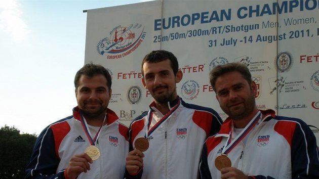 Zlatí rychlopalníci (zleva) Josef Fiala, Martin Podhráský, Martin Strnad.