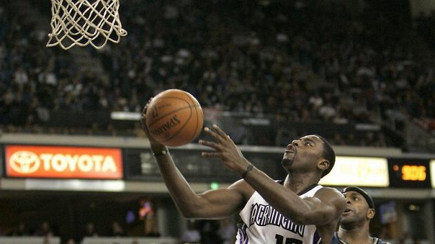 Basketbalista Sacramenta Tyreke Evans (vlevo) - ilustrační foto