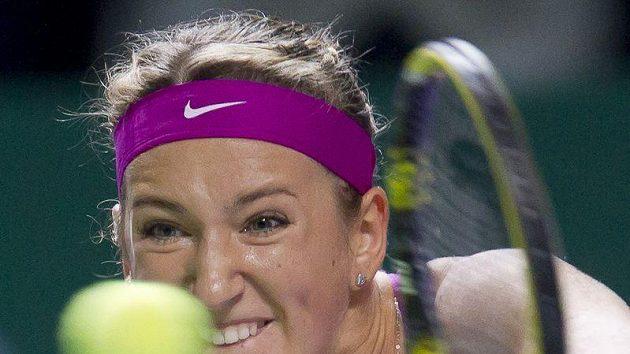 Viktoria Azarenkové při utkání proti Australance Stosurové na Turnaji mistryň v Turecku.