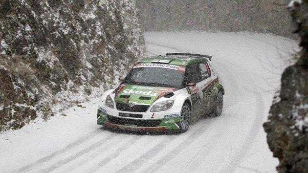 Juho Hänninen s Fabií S2000 na trati Rallye Monte Carlo