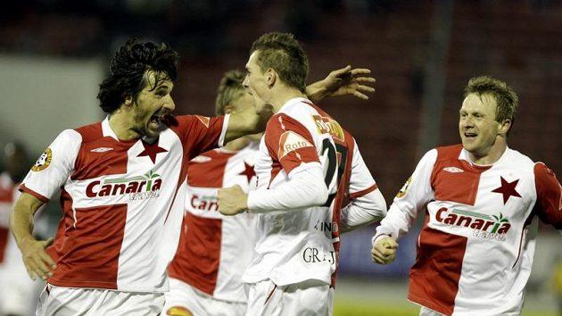 Fotbalisté Slavie se radují - ilustrační foto.