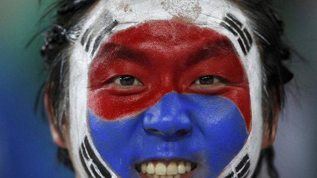 Válečné zdobení fanouška fotbalistů Koreje - ilustrační foto.