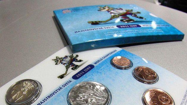 Památeční mince, které byly zhotoveny k příležitosti hokejového mistrovství světa na Slovensku 2011.