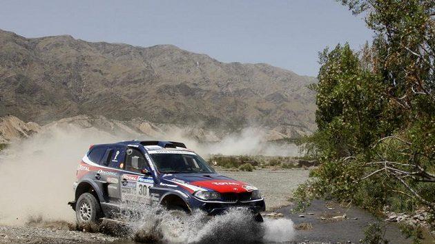 Stephane Peterhansel s svým BMW během Rallye Dakar