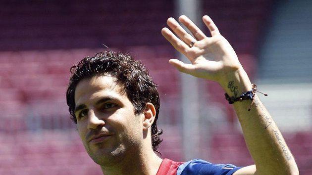 Fabregas dal Barceloně vale, odešel do Chelsea, ale Messiho prý ke stejnému kroku nepřemlouvá.