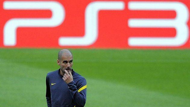 Kouč Barcelony Pep Guardiola na tréninku před utkáním Ligy mistrů proti Viktorii Plzeň.