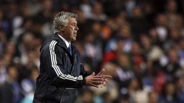 Trenér Chelsea Carlo Ancelotti žádný tlak necítí.