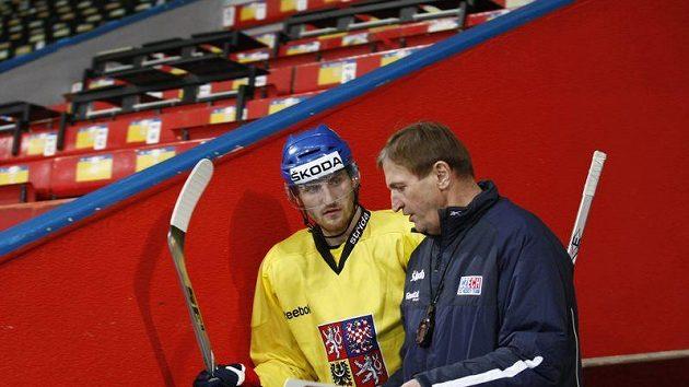 Jakub Nakládal s trenér hokejové reprezentace Aloisem Hadamczikem