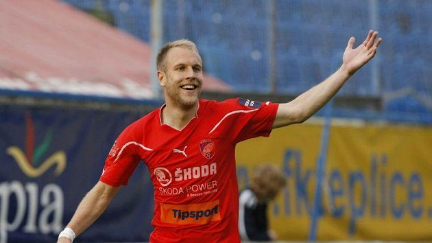 Plzeňský Daniel Kolář se raduje z gólu, kterým otevřel skóre zápasu v Teplicích.