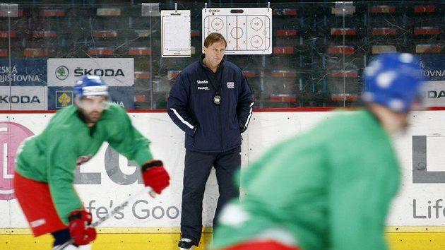 Trenér hokejové reprezentace Alois Hadamczik na tréninku