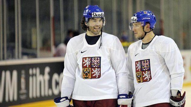 Petr Vampola (vpravo) a Jaromír Jágr na tréninku českého týmu