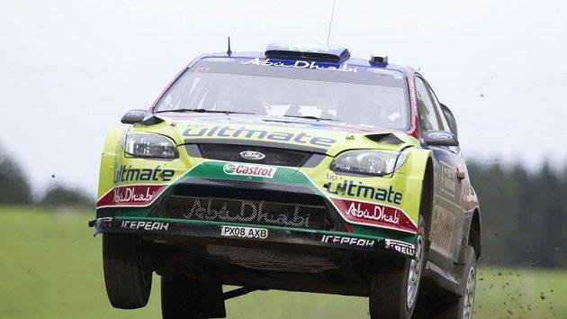 Jari-Matti Latvala s vozem Ford Focus WRC na trati závěrečné etapy Rallye Nový Zéland.
