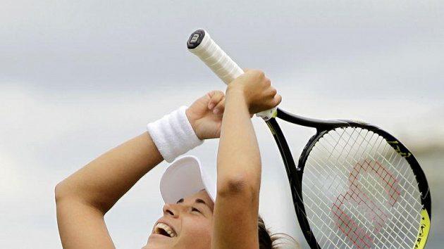 Petra Cetkovská oslavuje postup do osmifinále Wimbledonu