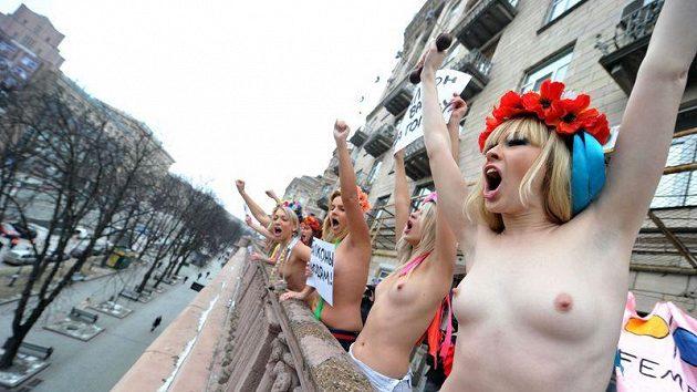 Protest svlečených ukrajinských slečen v Kyjevě