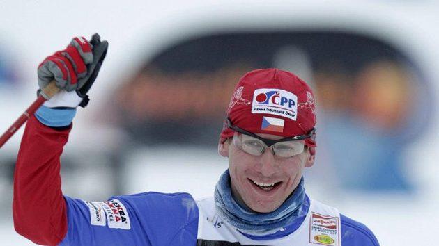 Lukáš Bauer v cíli vítězného závodu v Otepää.
