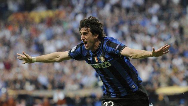 Útočník Interu Milán Diego Milito se raduje z branky do sítě Bayernu Mnichov ve finále Ligy mistrů.