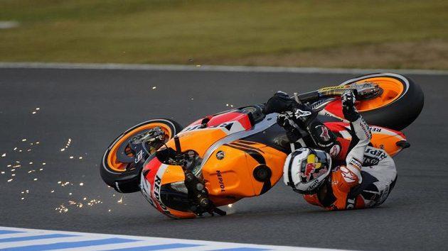 Dani Pedrosa při nešťastné havárii v Japonsku.