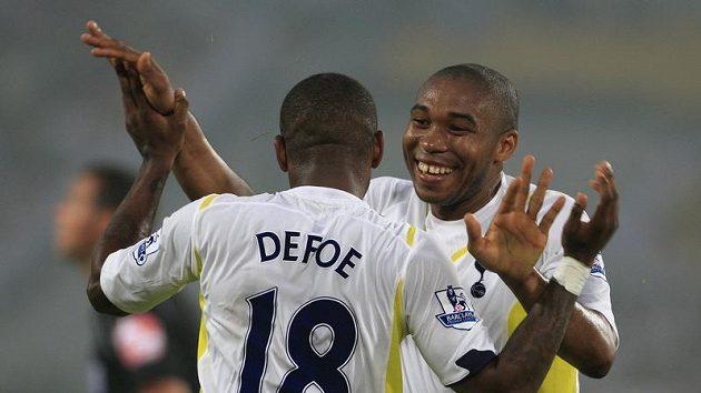 Fotbalisté Tottenhamu se radují.