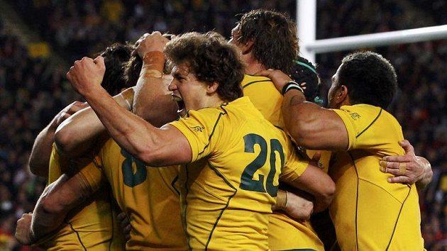 Australští ragbysté se radují ze třetího místa.