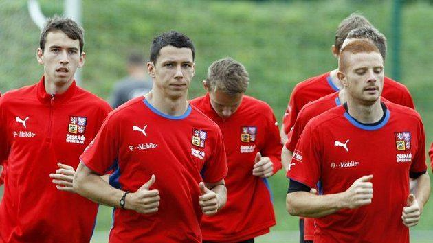 Marcel Gecov (vpravo) bude oblékat sešívaný dres.