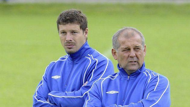Petr Rada (vpravo), trenér fotbalistů Teplic se svým asistentem Lukášem Přerostem