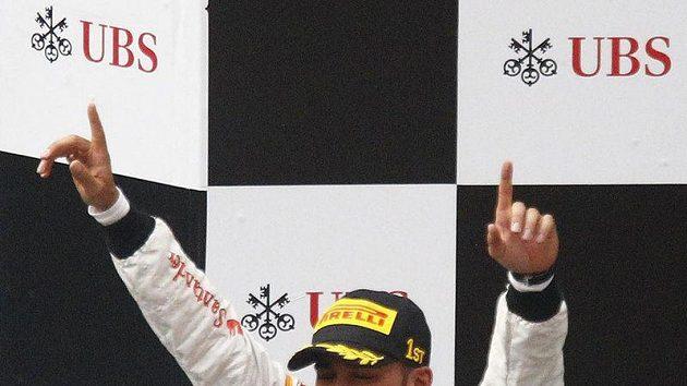 Pilot McLarenu Lewis Hamilton prahne po dvou vítězstvích. Letos triumfoval jen v Číně.
