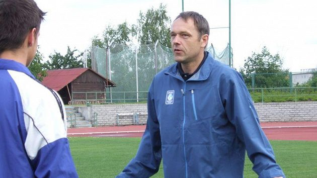 Internacionál Luděk Mikloško při práci s mladými brankáři
