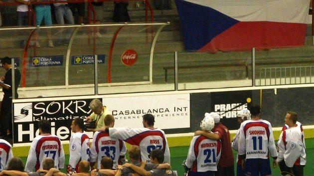 Čeští reprezentanti po postupu do semifinále MS
