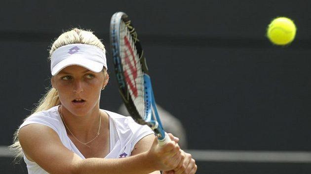 Česká tenistka Kristýna Plíšková při finále juniorky ve Wimbledonu s Japonkou Išizuovou.