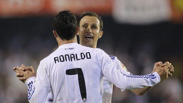 Cristiano Ronaldo se raduje z gólu.