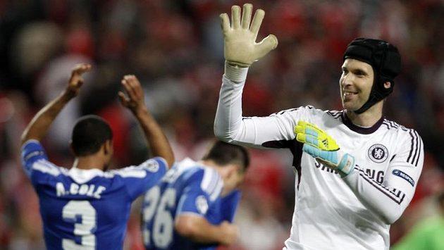 Radující se brankář Chelsea Petr Čech