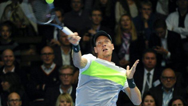 Tomáš Berdych si ve Stockholmu zahraje ve čtvrtfinále.