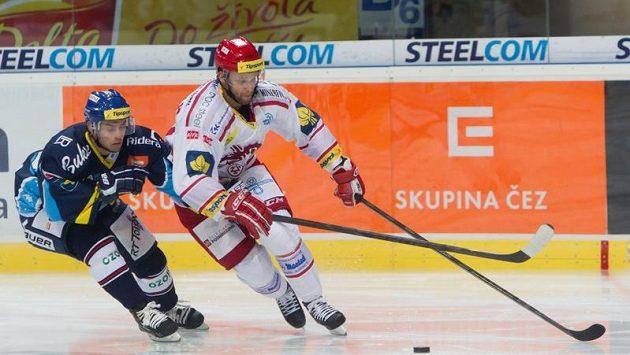 Třinecký Martin Růžička může i po bolestivém zranění hrát.