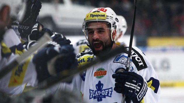 Milan Hruška z Komety Brno se raduje z branky.