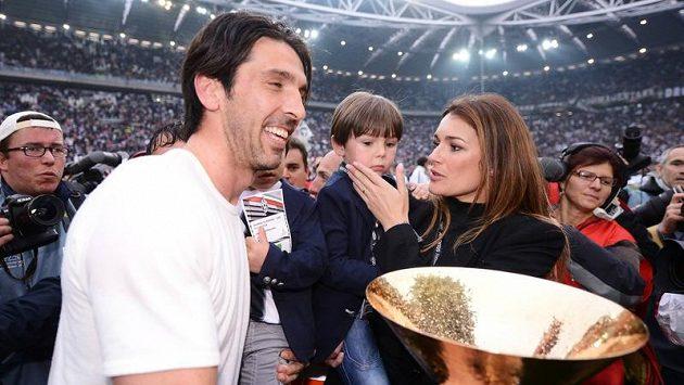 Manželé Buffonovi na Euru 2012.