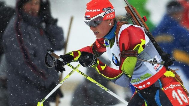Biatlonistka Gabriela Soukalová na trati sprintu na 7,5 km ve slovinské Pokljuce.