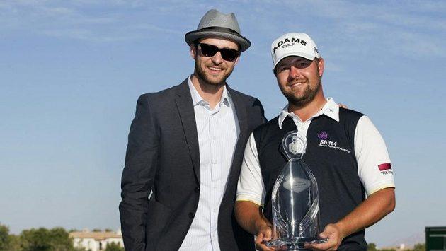 Ryan Moore (vpravo) a Justin Timberlake