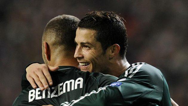 Ronaldo oslavuje gól v síti Ajaxu Amsterdam