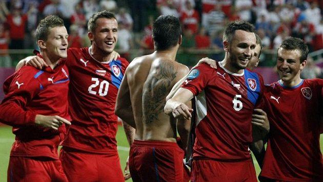 Potetovaná záda Milana Baroše při oslavách postupu do čtvrtfinále
