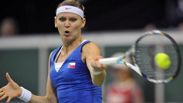 Lucie Šafářová v úvodním utkání finále Fed Cupu.
