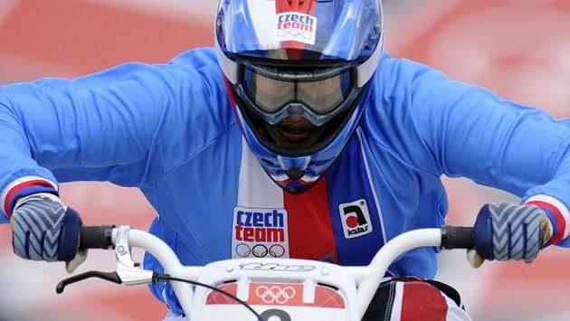 Bikrosařka Romana Labounková na olympijské trati v Londýně.