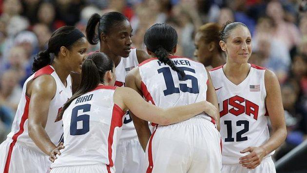 Basketbalistky Spojených států se radují, z Londýna si podle předpokladů odvážejí zlaté medaile.