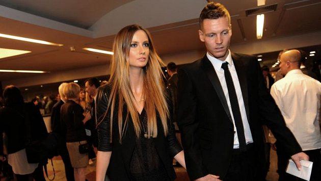 Tomáš Berdych se svou přítelkyní Ester na slavnostním galavečeru ankety Sportovec roku 2012.