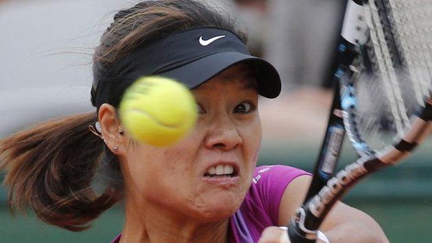 Li Na loňský titul na Roland Garros neobhájí. Čínská sedmička turnaje skončila letos v osmifinále