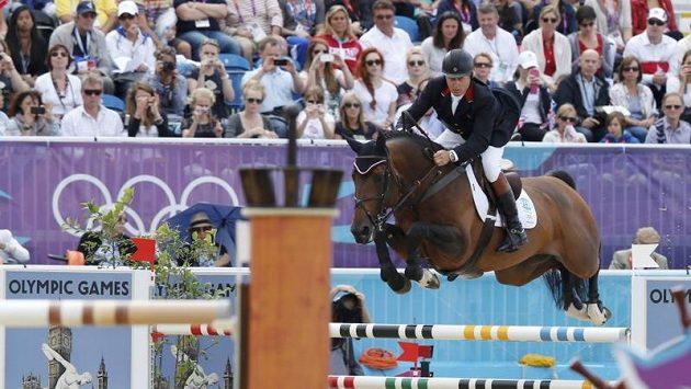 Brit Nick Skelton s koněm Big Star