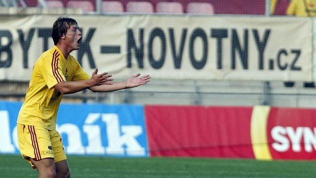 Tomáš Borek z Dukly jásá nad gólem.