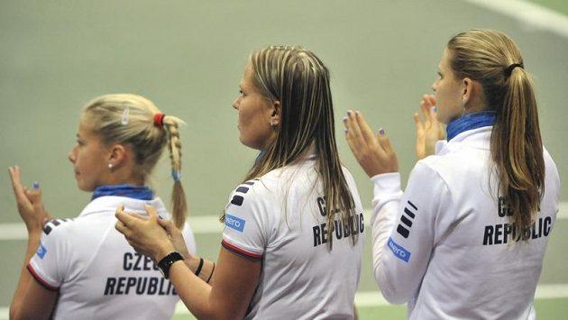 České tenistky Andrea Hlaváčková, Lucie Hradecká a Lucie Šafářová (zleva)