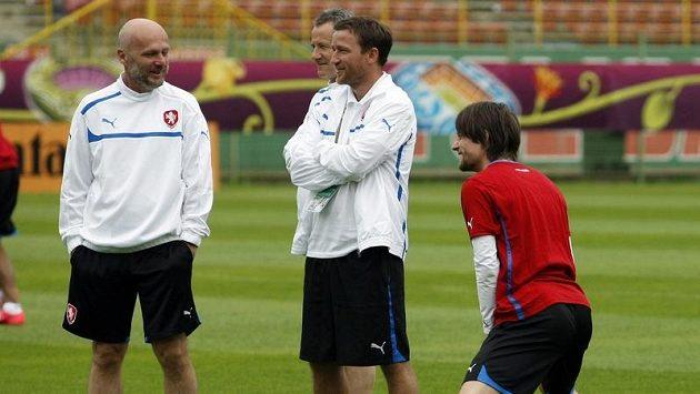 Michal Bílek (vlevo) si musí dál poradit bez Tomáše Rosického (vpravo)...